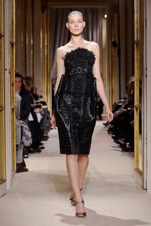 Показ Giambattista Valli коллекции сезона Весна-лето 2012 года Haute couture - www.elle.ru - Подиум - фото 330856