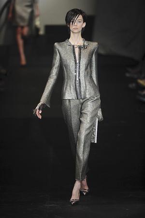 Показ Giorgio Armani Privé коллекции сезона Осень-зима 2009-2010 года haute couture - www.elle.ru - Подиум - фото 87697