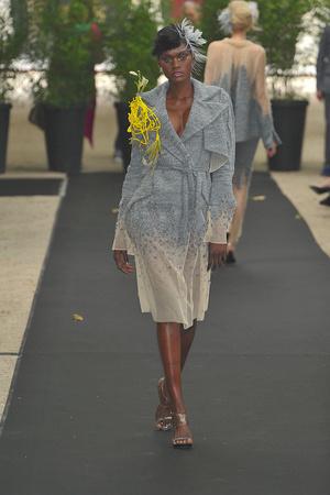 Показ On Aura Tout Vu коллекции сезона Осень-зима 2009-2010 года haute couture - www.elle.ru - Подиум - фото 88214