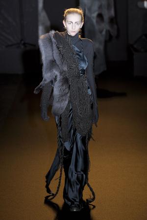 Показ A.F. Vandevorst коллекции сезона Осень-зима 2011-2012 года prêt-à-porter - www.elle.ru - Подиум - фото 249233