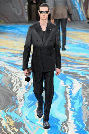 Показ Louis Vuitton коллекции сезона Осень-зима 2014-2015 года Men prêt-à-porter - www.elle.ru - Подиум - фото 573758