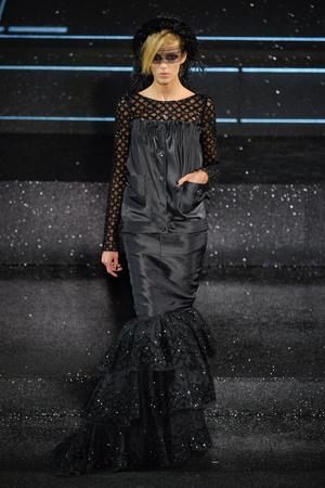Показ  коллекции сезона Осень-зима 2011-2012 года Haute couture - www.elle.ru - Подиум - фото 278051