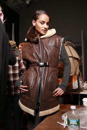 Показ DKNY коллекции сезона Осень-зима 2010-2011 года prêt-à-porter - www.elle.ru - Подиум - фото 142563