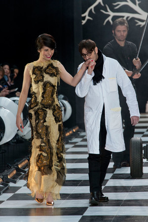 Показ Franc Sorbier коллекции сезона Весна-лето 2014 года Haute couture - www.elle.ru - Подиум - фото 575081