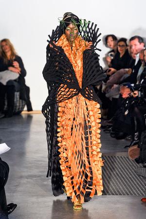 Показ Maurizio Galante коллекции сезона Весна-лето 2012 года Haute couture - www.elle.ru - Подиум - фото 330254