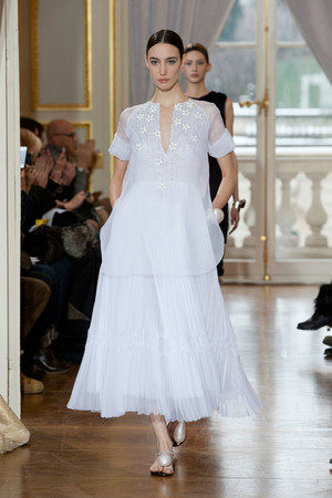 Показ Christophe Josse коллекции сезона Весна-лето 2013 года Haute couture - www.elle.ru - Подиум - фото 477038