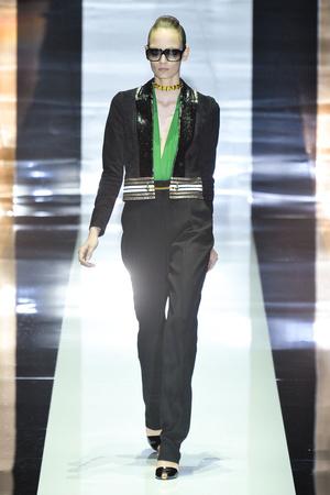 Показ Gucci коллекции сезона Весна-лето 2012 года Prêt-à-porter - www.elle.ru - Подиум - фото 301838