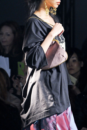 Показ Vivienne Westwood коллекции сезона Осень-зима 2012-2013 года Prêt-à-porter - www.elle.ru - Подиум - фото 380328