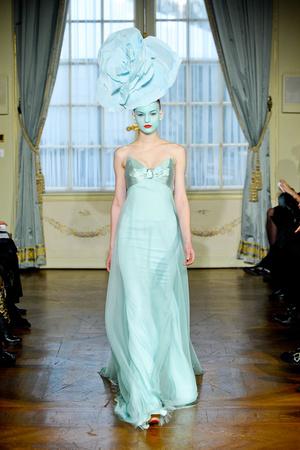 Показ Alexis Mabille коллекции сезона Весна-лето 2012 года Haute couture - www.elle.ru - Подиум - фото 330166