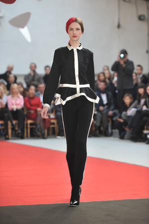 Показ Alexis Mabille коллекции сезона Весна-лето 2010 года haute couture - www.elle.ru - Подиум - фото 137910