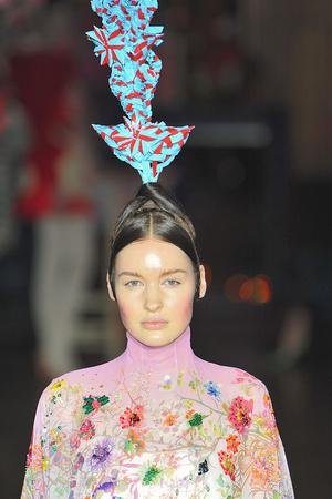 Показ Josep Font коллекции сезона Осень-зима 2009-2010 года Haute couture - www.elle.ru - Подиум - фото 88042