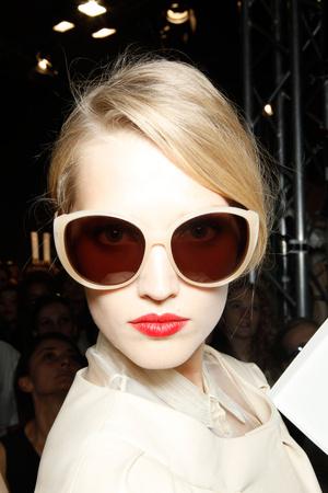 Показ Christian Dior коллекции сезона Весна-лето 2012 года prêt-à-porter - www.elle.ru - Подиум - фото 311973