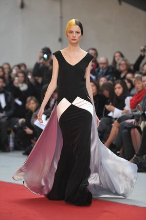 Показ Alexis Mabille коллекции сезона Весна-лето 2010 года haute couture - www.elle.ru - Подиум - фото 137900