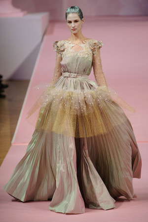 Показ Alexis Mabille коллекции сезона Весна-лето 2013 года Haute couture - www.elle.ru - Подиум - фото 477545