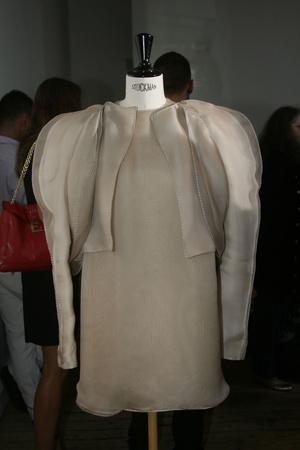 Показ Maison Rabih коллекции сезона Осень-зима 2009-2010 года Haute couture - www.elle.ru - Подиум - фото 88168