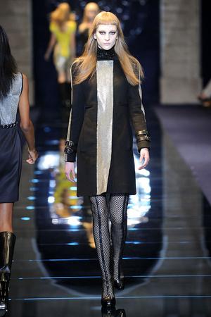 Показ Versace коллекции сезона Осень-зима 2012-2013 года Prêt-à-porter - www.elle.ru - Подиум - фото 363683