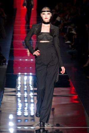 Показ Jean Paul Gaultier коллекции сезона Осень-зима 2012-2013 года Haute couture - www.elle.ru - Подиум - фото 404631