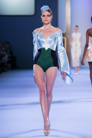 Показ Ulyana Sergeenko коллекции сезона Весна-лето 2014 года haute couture - www.elle.ru - Подиум - фото 574758