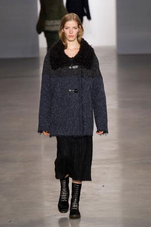 Показ Calvin Klein Collection коллекции сезона Осень-зима 2014-2015 года Prêt-à-porter - www.elle.ru - Подиум - фото 578019