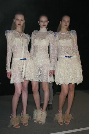 Показ Givenchy коллекции сезона Осень-зима 2009-2010 года prêt-à-porter - www.elle.ru - Подиум - фото 98433