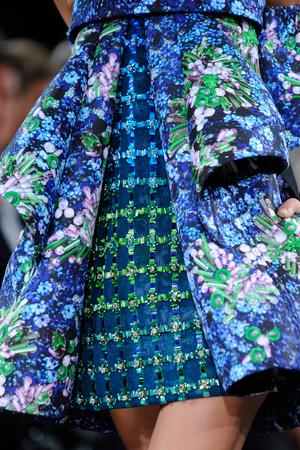 Показ Mary Katrantzou коллекции сезона Весна-лето 2014 года prêt-à-porter - www.elle.ru - Подиум - фото 562043