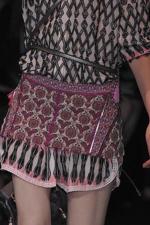Показ Louis Vuitton коллекции сезона Весна-лето 2010 года Prêt-à-porter - www.elle.ru - Подиум - фото 122777