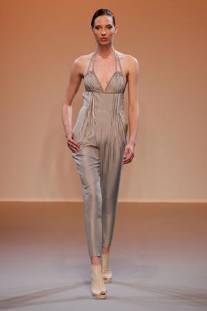 Показ Lefranc Ferrant коллекции сезона Осень-зима 2010-2011 года haute couture - www.elle.ru - Подиум - фото 168008