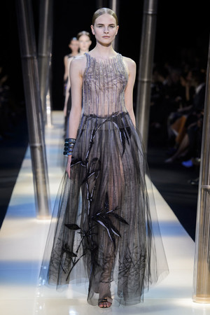 Показ Armani Prive коллекции сезона Весна-лето 2015 года haute couture - www.elle.ru - Подиум - фото 593143