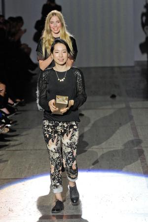 Показ ELLE's Fashion Next коллекции сезона Весна-лето 2013 года prêt-à-porter - www.elle.ru - Подиум - фото 411399