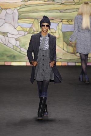 Показ Anna Sui коллекции сезона Осень-зима 2010-2011 года prêt-à-porter - www.elle.ru - Подиум - фото 146732