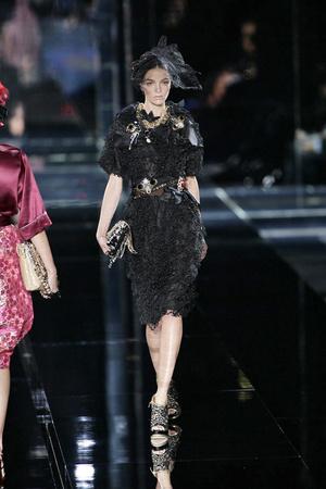 Показ Dolce & Gabbana коллекции сезона Весна-лето 2009 года prêt-à-porter - www.elle.ru - Подиум - фото 81501