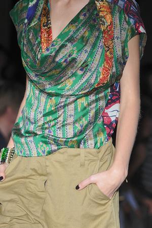 Показ Dries Van Noten коллекции сезона Весна-лето 2010 года Prêt-à-porter - www.elle.ru - Подиум - фото 119783