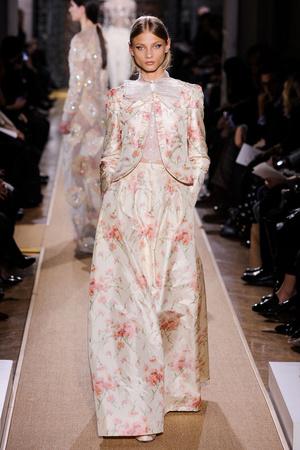 Показ Valentino коллекции сезона Весна-лето 2012 года Haute couture - www.elle.ru - Подиум - фото 332707