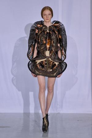 Показ  коллекции сезона Осень-зима 2011-2012 года Haute couture - www.elle.ru - Подиум - фото 276983