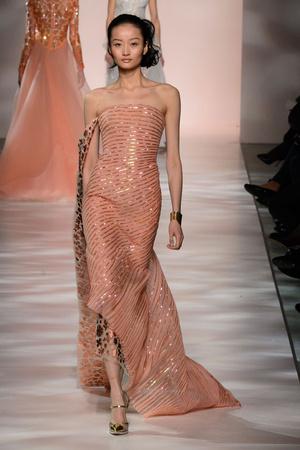 Показ Georges Chakra коллекции сезона Весна-лето 2015 года Haute couture - www.elle.ru - Подиум - фото 593385
