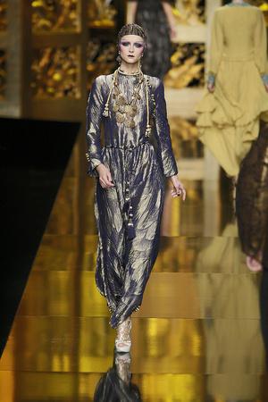 Показ Christian Dior коллекции сезона Осень-зима 2009-2010 года Prêt-à-porter - www.elle.ru - Подиум - фото 97666