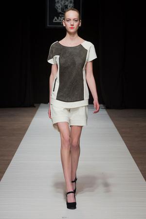 Показ Maison Anoufa коллекции сезона Весна-лето 2014 года Haute couture - www.elle.ru - Подиум - фото 574336