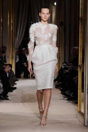 Показ Giambattista Valli коллекции сезона Весна-лето 2012 года Haute couture - www.elle.ru - Подиум - фото 330848