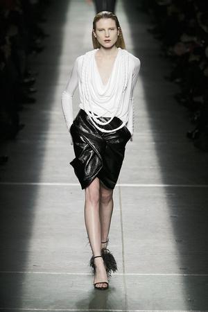 Показ Givenchy коллекции сезона Осень-зима 2009-2010 года prêt-à-porter - www.elle.ru - Подиум - фото 98451