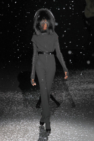 Показ Chapurin коллекции сезона Осень-зима 2010-2011 года prêt-à-porter - www.elle.ru - Подиум - фото 155872