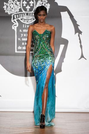 Показ On Aura Tout Vu коллекции сезона Весна-лето 2013 года Haute couture - www.elle.ru - Подиум - фото 480255