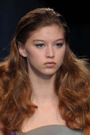 Показ Julien Fournie коллекции сезона Весна-лето 2012 года Haute couture - www.elle.ru - Подиум - фото 331875