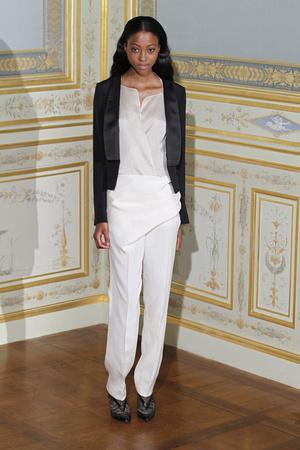 Показ Anne Valerie Hash коллекции сезона Осень-зима 2011-2012 года Haute couture - www.elle.ru - Подиум - фото 276943