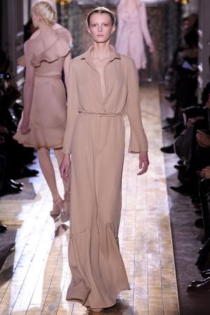 Показ Valentino коллекции сезона Весна-лето 2011 года Haute couture - www.elle.ru - Подиум - фото 217302