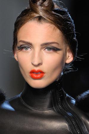 Показ Jean Paul Gaultier коллекции сезона Осень-зима 2010-2011 года haute couture - www.elle.ru - Подиум - фото 168472