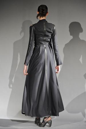 Показ Atelier Gustavo Lins коллекции сезона Весна-лето 2011 года haute couture - www.elle.ru - Подиум - фото 216125