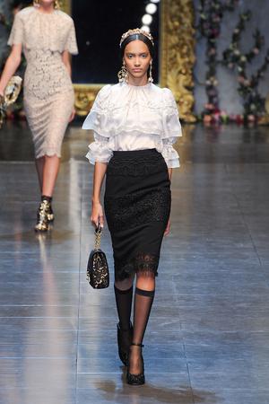 Показ Dolce & Gabbana коллекции сезона Осень-зима 2012-2013 года Prêt-à-porter - www.elle.ru - Подиум - фото 367866
