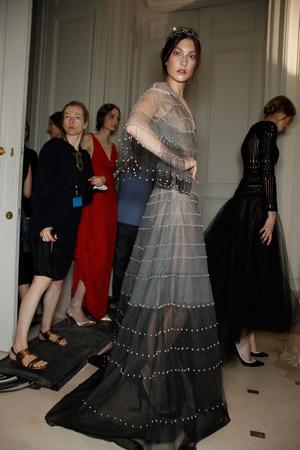 Показ Valentino коллекции сезона Осень-зима 2011-2012 года haute couture - www.elle.ru - Подиум - фото 279013
