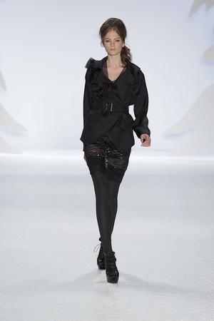 Показ Vera Wang коллекции сезона Осень-зима 2010-2011 года prêt-à-porter - www.elle.ru - Подиум - фото 145697