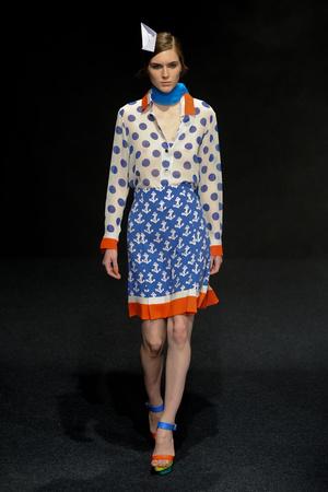 Показ Junko Shimada коллекции сезона Весна-лето 2011 года Prêt-à-porter - www.elle.ru - Подиум - фото 190376
